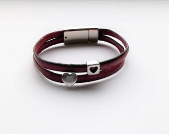 Real leather bracelet in dark pink with silvered hearts, two-strand bracelet with magnet clasp, leather bracelet with hearts, gift, Easter