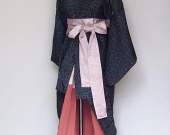 Tsumugi kimono / crown red & blue