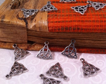 10 pendants charms knot Celtic triquetra, silver color