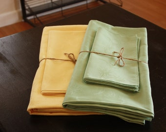 Table Cloth with Napkin Set