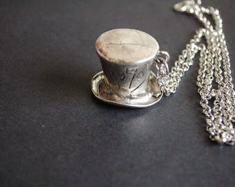 Mad Hatter's hat necklace
