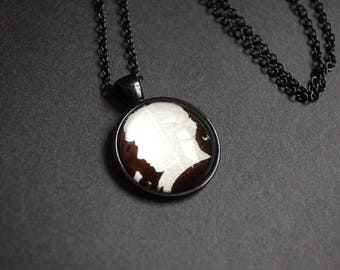 Sherlock Holmes silhouette necklace