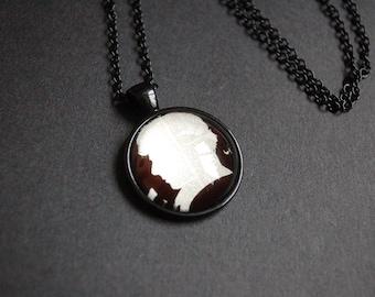 Sherlock Holmes silhouette necklace