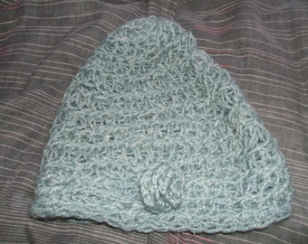 Hat made with natural fibres