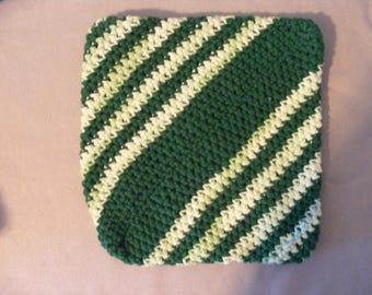 Green and White Pot Holder