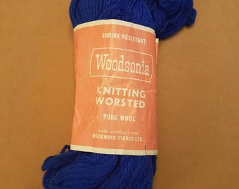Blue Pure Wool Yarn  - Knitting Worsted - 2 oz - Vintage 1980s
