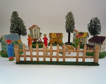 Ref049 ERZGEBIRGE VILLAGE Folk Art 16 pc hand made Houses LoofahTrees Fence  Animals Figures  Germany 1930s