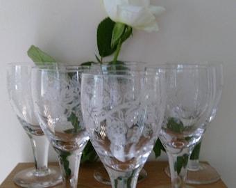 6 Vintage Etched Grape & Leaf Pattern Sherry/Port Glasses.