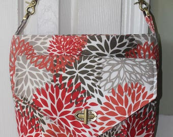 A stylish canvas shoulder bag perfect for Spring and Summer.