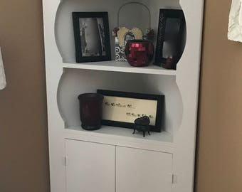 Vintage Cottage Style Corner Bookcase/Shelves