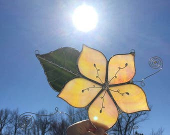 Yellow blush hibiscus flower w/ curly vines wirework stained glass suncatcher