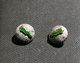 80's round silver and green clip on earrings