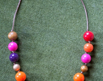 Upcycling chain with 16 colored balls and satin ribbon