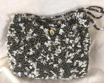 Bee knittted handbag