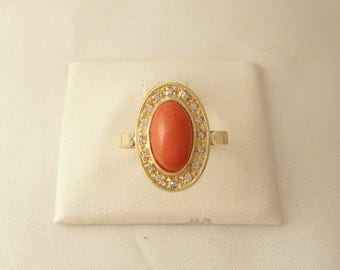 80 's gold ring yellow, coral oval, shiny.