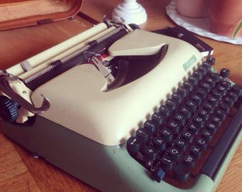 One of the best typewriters ever made: Erika 10 from the 50's, TOP !
