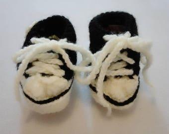 Baby booties, crochet