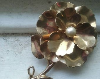 Vintage rose and pearl brooch