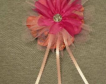Broach pink