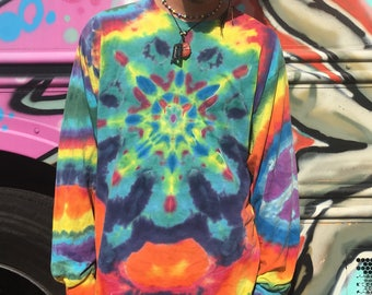 Adult LRG. Tye Dye. Peace on sleeve.