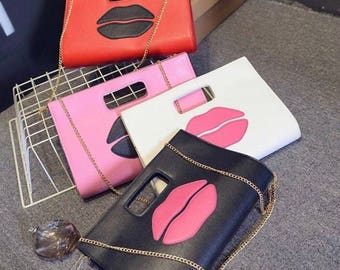 Tres Chic lips bag