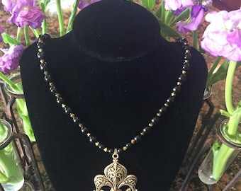 Black and Gold Fleur de Lis Beaded Necklace