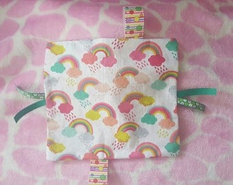 Girls rainbow taggy blanket