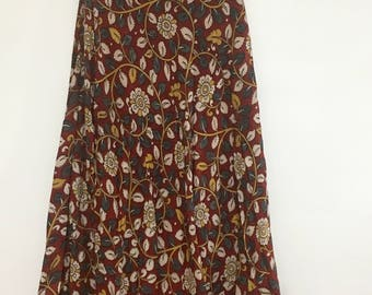 Kalamkari skirt with red floral print