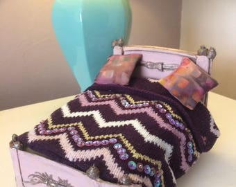 Wool knitted blanket/throw for dolls house 1/12 scale.perfect for any dollshouse inhabitant .