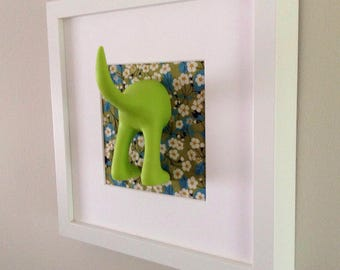 Dog tail hook in picture frame - green