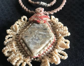 Macramé with fossil stone necklace