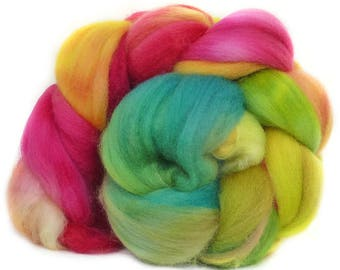 SUPERWASH MERINO roving top handdyed wool spinning fiber 3.7 oz