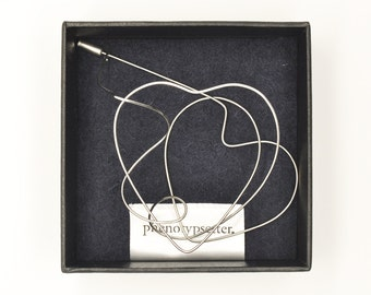 Wire Brooch Pin – Heart
