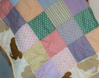 Baby quilt with bunny border