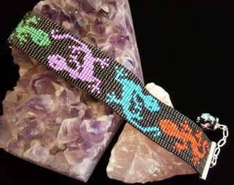 Adorable gecko bracelet