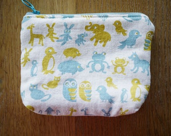 zoo linen pouch