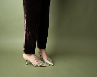metallic green woven pointed toe mules / kitten heel slides / evening mules / 6 / 801s / B2