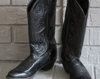 VINTAGE ladies Tony Lama cowboy boots size 8M but run small