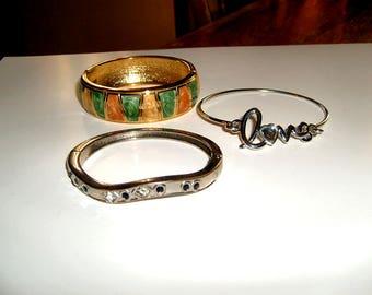 Lot of three bracelets
