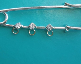 kilt pin  Brooch with rhinestones and loops 6.3 cm