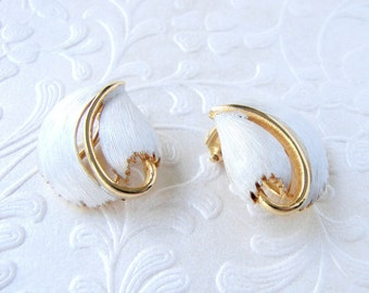 White Frosted Enamel Clip Earrings Brushed Leaf Gold Jewelry Clips Wedding Bridal Formal Prom Classic Bride 1960s Costume Fashion Accessory
