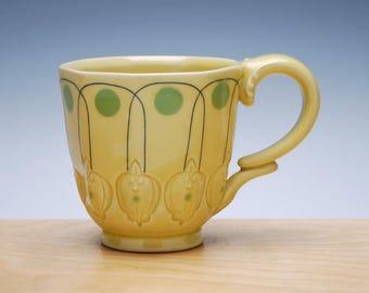Deco mug in Buttercup Yellow gloss w. Green Polka dots & Navy detail, Victorian mod handmade cup