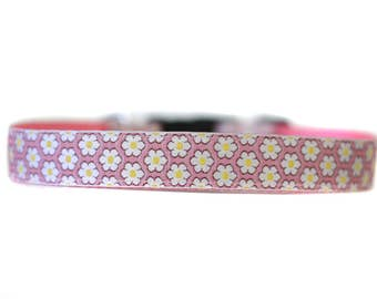 1 Inch Wide Dog Collar with Adjustable Buckle or Martingale in Daisy Chain Pink