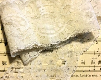 Vintage Off White Lace- 2 Yards