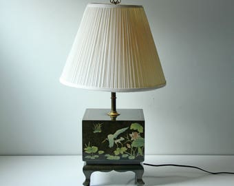 Vintage Asian green lacquered square table lamp -  Hollywood Regency - Asian birds cranes flower pattern