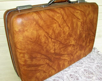 Vintage Brown Luggage Suitcase American Tourister Hardside Luggage 1970s Shabby Chic Glamping Case 25x17