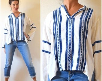 SPRING SALE / 30% off Vintage 60s 70s Grecian Linen Embroidered Tunic (size small, medium)