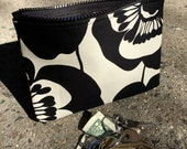 "7"" Zippered Black and White Cotton Floral Print Cosmetic Bag, I phone case, Make Up Bag, Coin Bag"