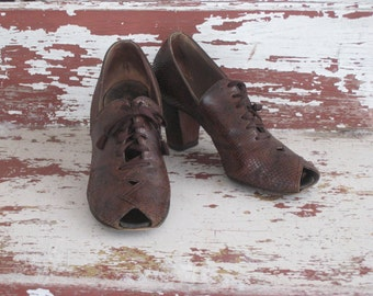 Antique Lace Up Granny Shoes 1920s Baynhards Snakeskin peep Toe Shoes Costume (4207-W)