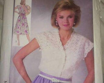 Vintage 80s Sewing Pattern Simplicity 7455 Women's Top or Dress Pattern